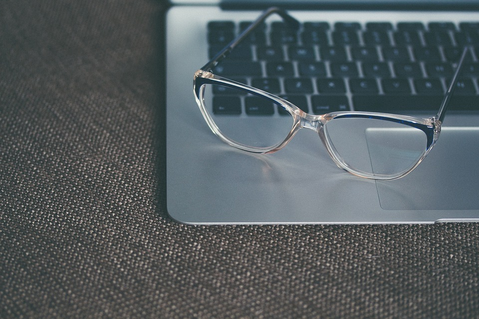 eyeglasses-1245879_960_720